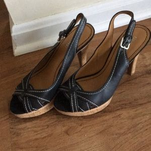 Nine West Cork Bottom Platform Heels Black and Tan